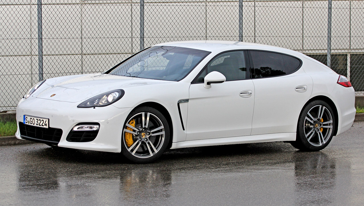 porsche panamera s et porsche panamera 4s porsche assurance porsche prestige assurance. Black Bedroom Furniture Sets. Home Design Ideas